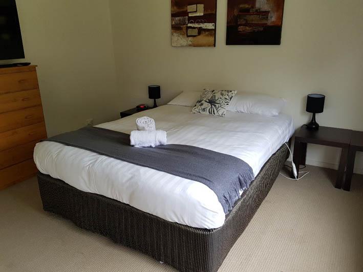 Marina View house bedroom